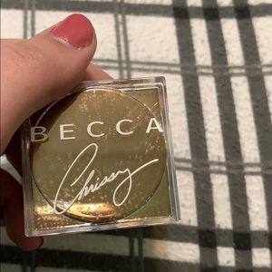 Becca x Chrissy loose highlight